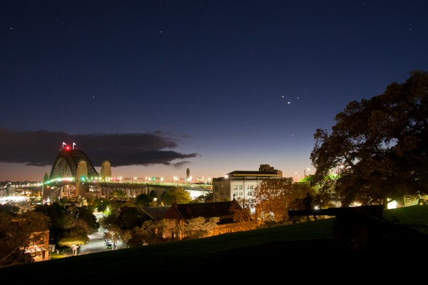 Planetary Conjunction Closes the Harbour Bridge